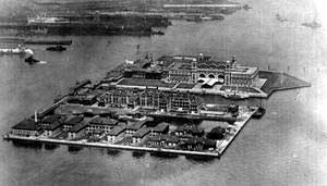 Ellis Island, l'Isola delle Lacrime - Remembering Ellis Island On Columbus Day -  Article by Ro Pucci, Houston, Texas - emigrati.it